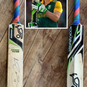 Private Collection cricket memorabilia -AB de Villiers signed cricket bat